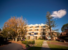 Parkville Motel is located two kilometre from the Royal Melbourne, Royal Children & Royal Women's Hospitals